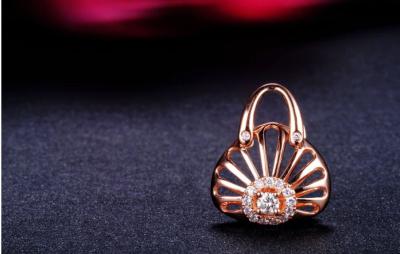 珠宝设计师,为您带来宏大奢华的黄金盛宴,与您共享珠光宝玉的高端风尚