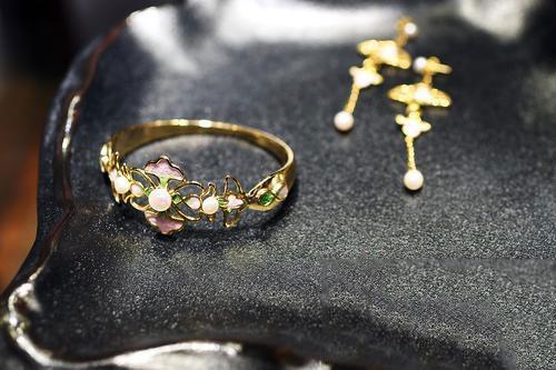 中国传统民艺再生珠宝配饰设计大赛入围作品展开展